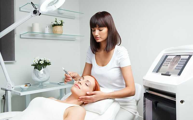 Find Out The Risks & Side Effects Of Microdermabrasion [Important]